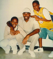 Daryl Carpenter with his kids Kayla and Tequan